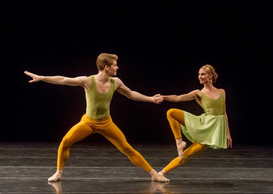 Alex Kramer and Sarah Stein of Ballet San Jose in Merce Cunningham's DUETS (Photo: Robert Shomler)