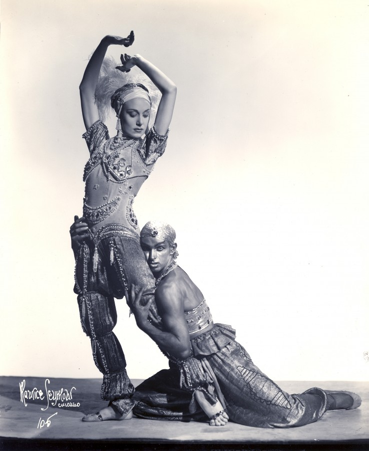 Frederic Franklin as the Golden Slave in Fokine's Schéhérezade, with Jeanette Lauret as Zobeide. (Photo: Maurice Seymour, courtesy Ronald Seymour)