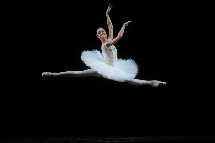 The luminous Mathilde Froustey in Makarova's staging of LA BAYADÈRE (after Petipa) (Photo: Erik Tomasson)