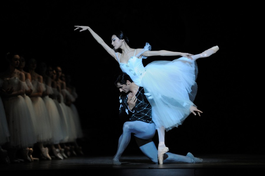 Yuan Yuan Tan and Davit Karapetyan in Act II of GISELLE  Photo  Erik    Yuan Yuan Tan Husband