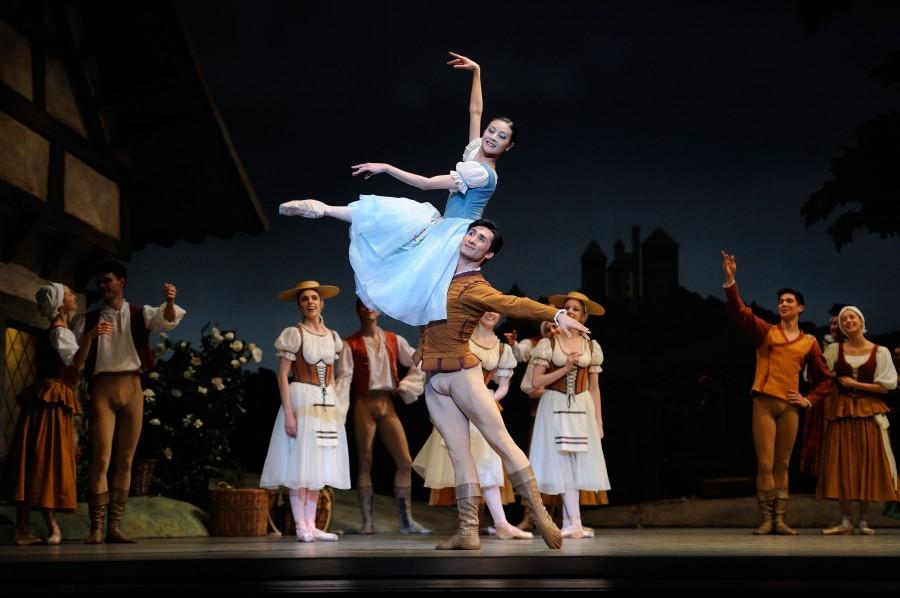 Yuan Yuan Tan, Davit Karapetyan and San Francisco Ballet dancers in Helgi Tomasson's GISELLE (Photo: Erik Tomasson)