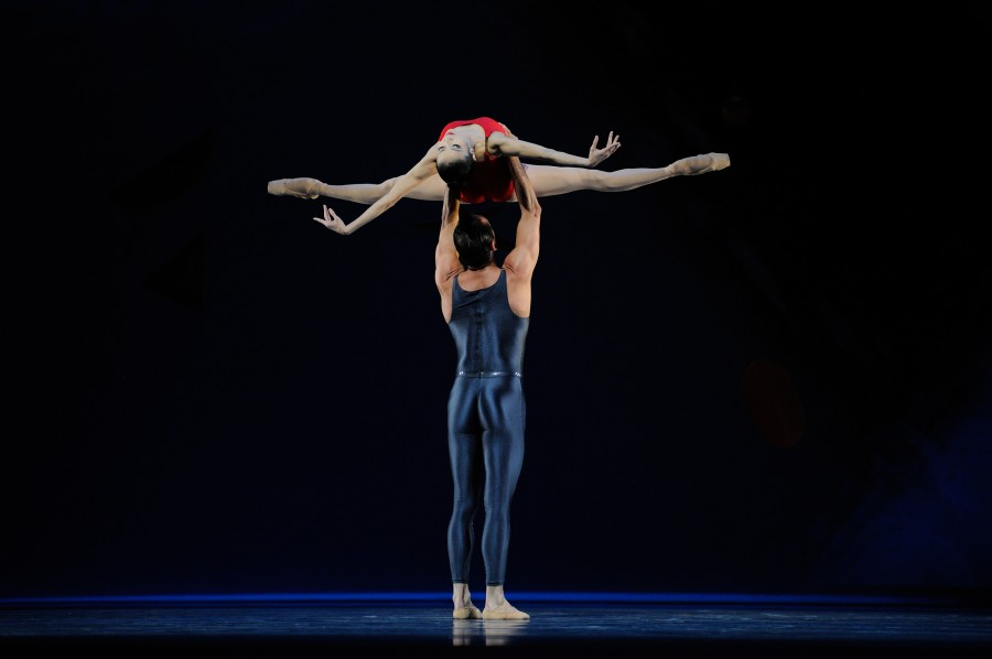 Yuan Yuan Tan and Damian Smith in Piano Concerto #1 from Ratmansky's SHOSTAKOVIOCH TRILOGY (Photo: Erik Tomasson)