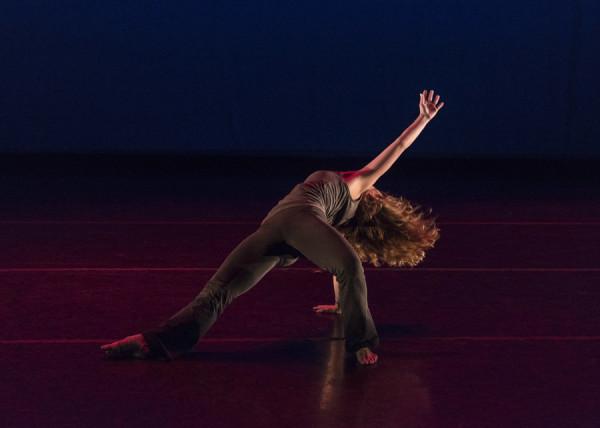 Zahna Moss in Antoine Hunter's piece (Photo: Jorge Alejandro Gomez)