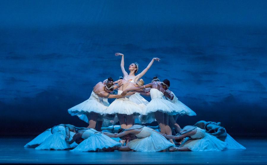 Victoria Jaiani and the Joffrey Ballet corps in Wheeldon's Swan Lake (Photo: Cheryl Mann)