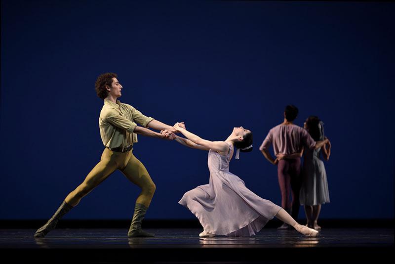 Carlo DiLanno and Vanessa Zahorian in Dances at a Gathering (Photo: Erik Tomasson)