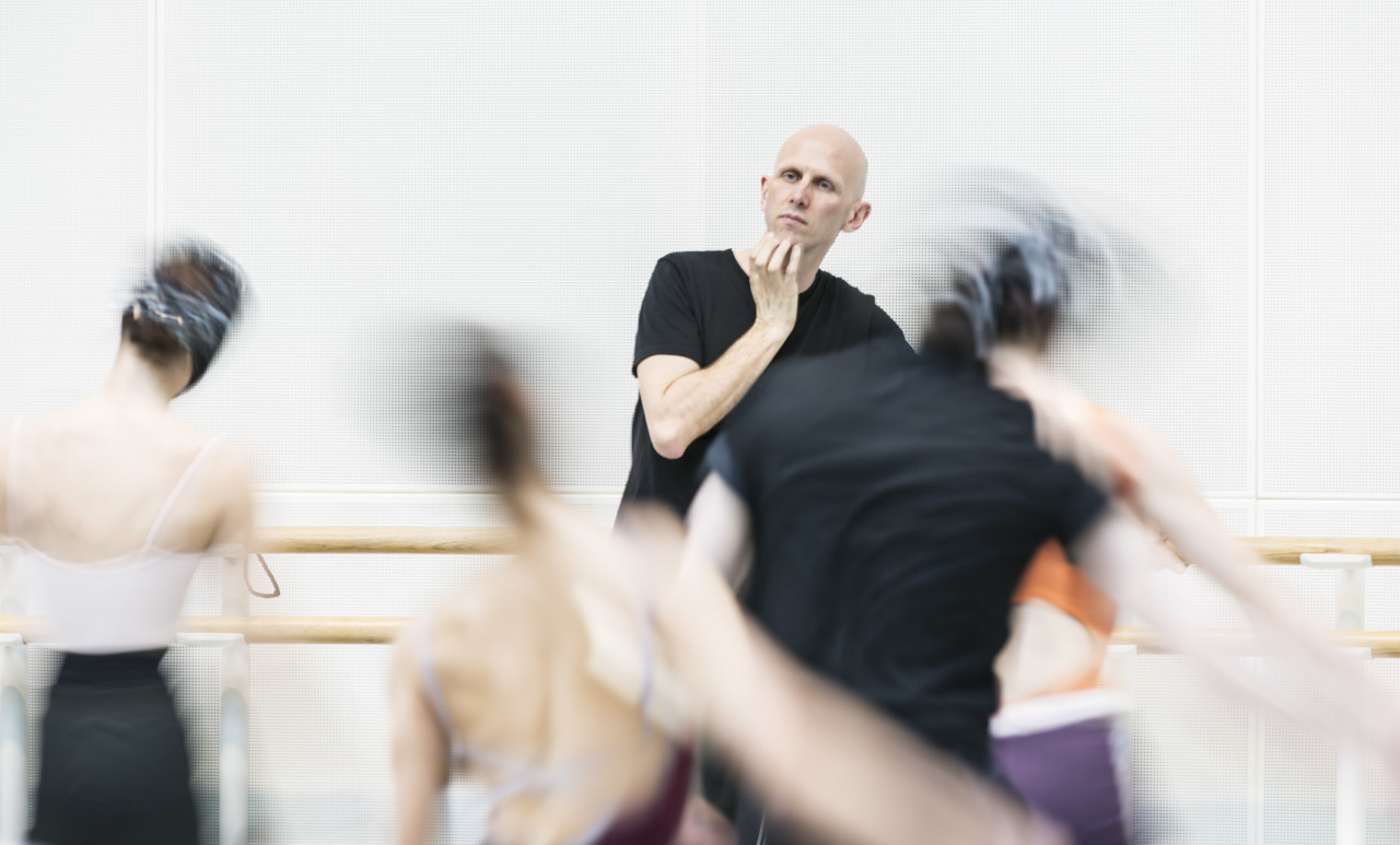 Wayne McGregor in rehearsal (Photo: Johan Persson)