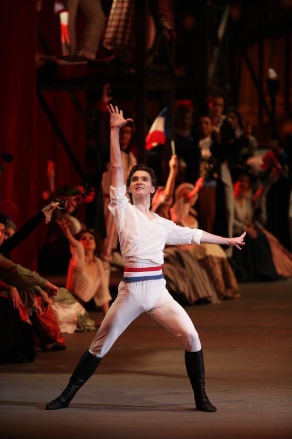 Vladislav Lantratov of the Bolshoi Ballet in Ratmansky's THE FLAMES OF PARIS (Photo: Damir Yusupov)
