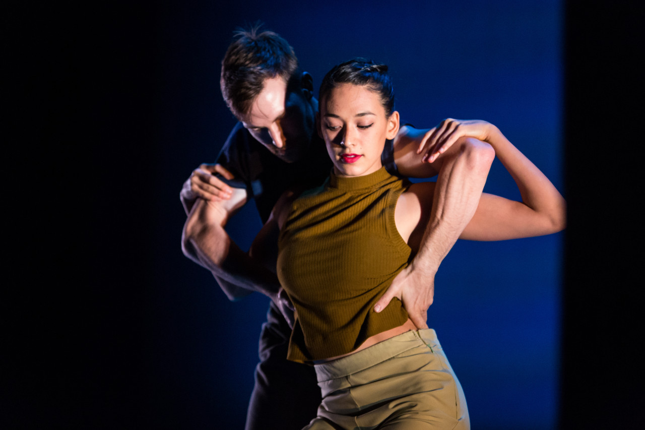 Garrett Anderson and Adrienne Lipson in Penny Saunders' JOE AND IDA for SFDanceworks (Photo: Alex Reneff-Olson)