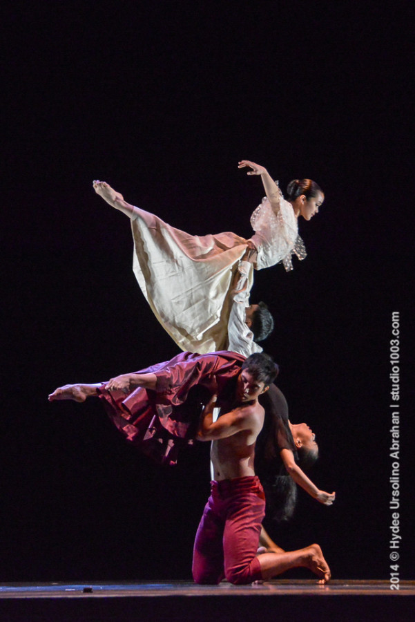 Ballet Philippines in Paul Morales' LAKAMBINI (Photo: Hydee Ursolino Abrahan)